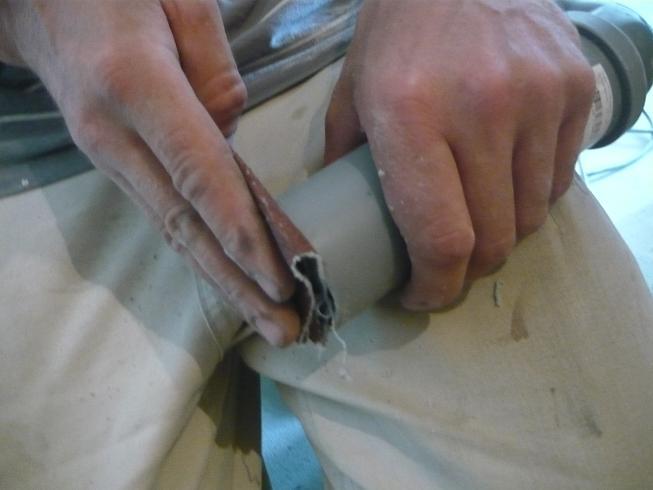 Зачистка резанного торца трубы от заусенцев