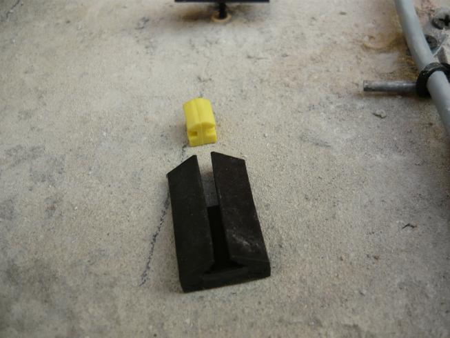 Пластиковый крепеж для сухого монтажа маячкового профиля